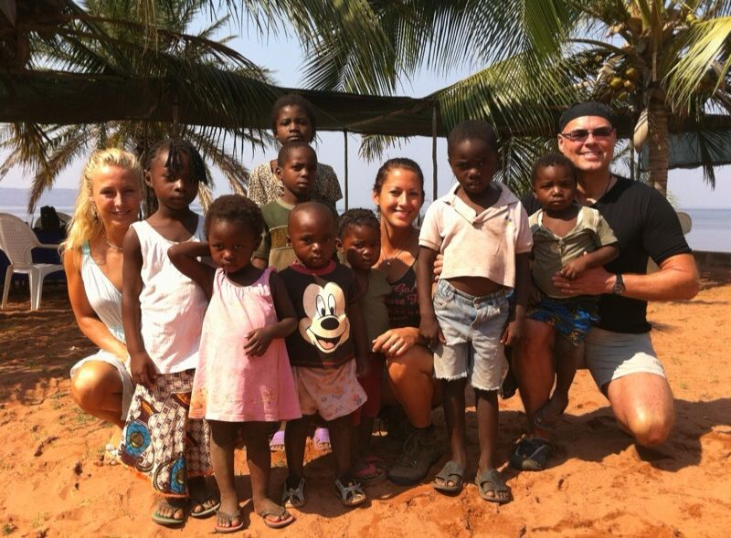 Dr. Sieper von All Dente hat Kinder in Sambia behandelt.