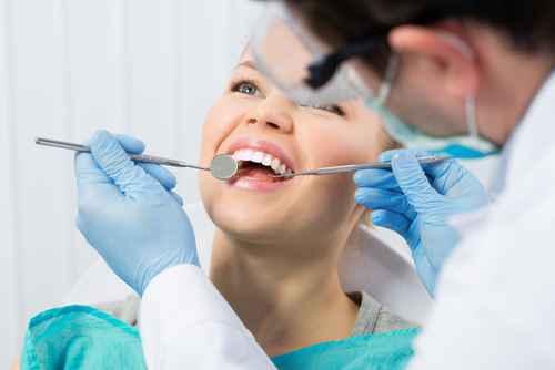 Kieferorthopädische Behandlung in der Zahnarztpraxis ALL DENTE.