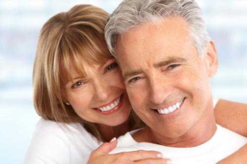 Ästhetische Zahnheilkunde zur Gesamtkorrektur der Zähne.